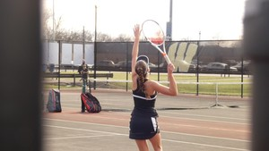 Girls Tennis improves to 2-1 after defeating Cardinal Ritter!