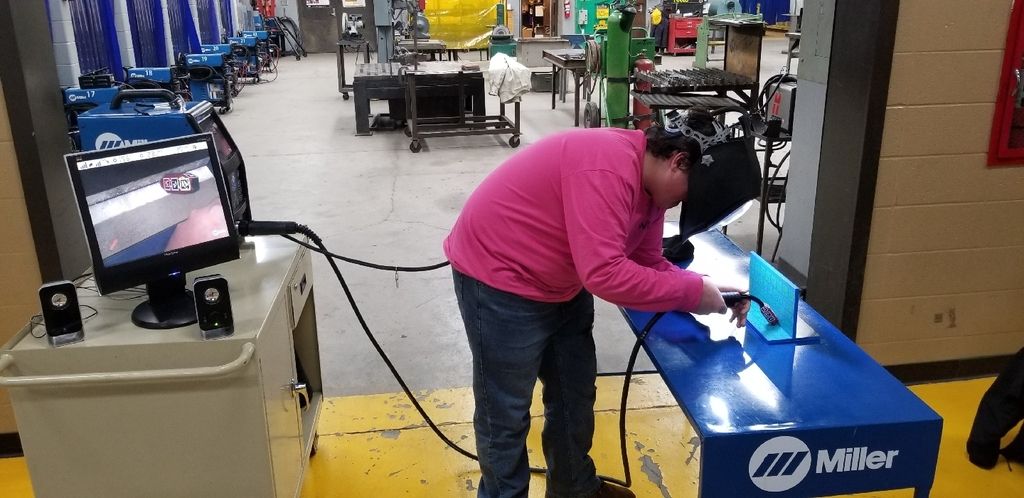 Student using the virtual welder.
